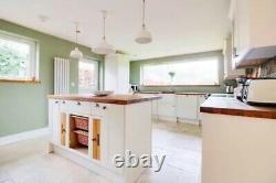 Cuisine Howdens, Burford White, Machine À Laver Intégrée Et Lave-vaisselle